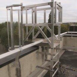 Dach Steigleiter mit Podest