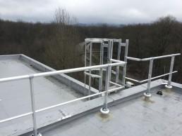 Dachgeländer VBE auf Stahltrapezblech mit Dämmung
