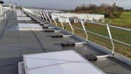 Dachgelaender mit Auflast ohne Dachdurchdringung