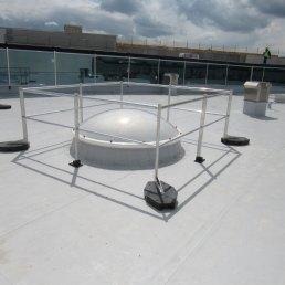 Lichtkuppel Dachabsturzsicherungen